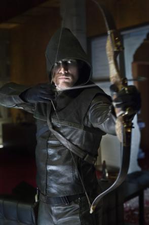 Arrow, l'arciere giustiziere sbarca su Italia Uno dall'11 marzo [Foto e Trailer]