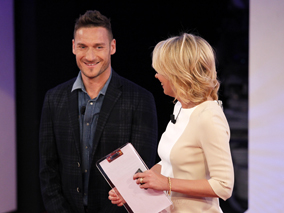 C'è posta per te, ultima puntata del 15 marzo 2014: ospiti Sabrina Ferilli e Francesco Totti