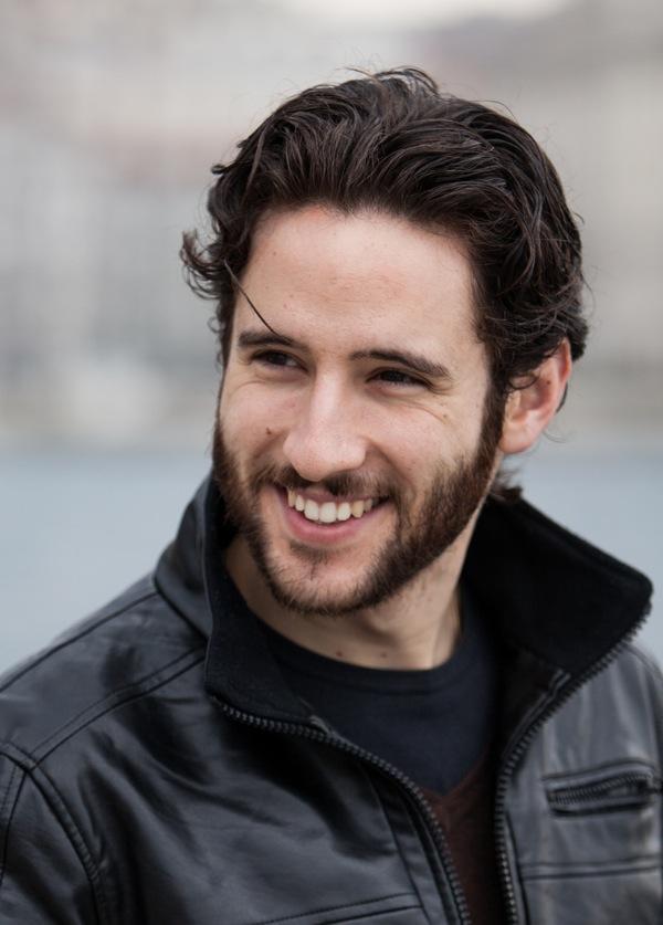 Jacopo Venturiero (Adam Vega) in Centovetrine intervistato da Teleblog