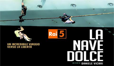 """""""La nave dolce"""", il documentario di Daniele Vicari sullo sbarco dall'Albania su Rai 5"""