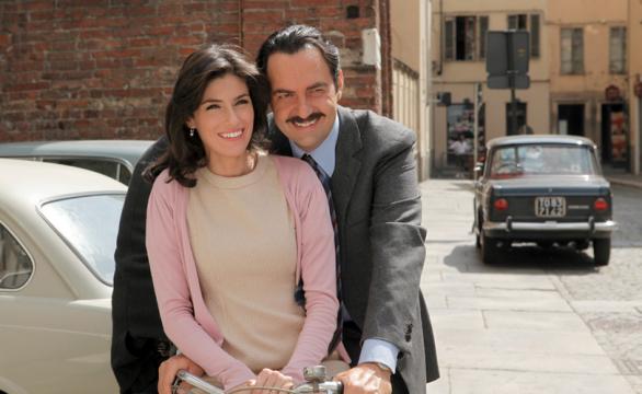 """""""Questo nostro amore"""", torna in replica la fiction con Neri Marcorè e Anna Valle"""