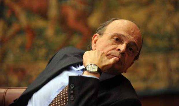 Rai, scontro in Cda per i tagli del governo: tra scontri, dimissioni e polemiche
