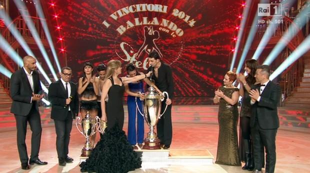 Ascolti tv del 6 dicembre: vince la finale di Ballando con le stelle