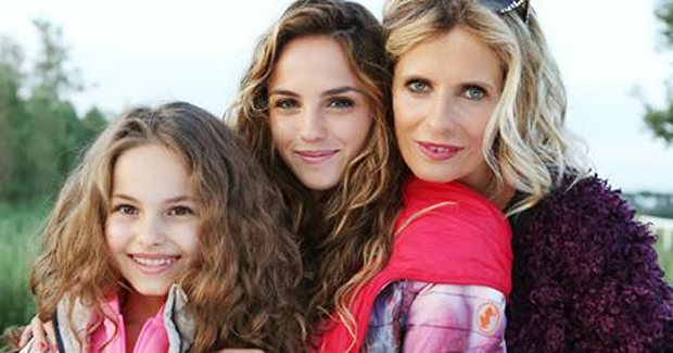 Programmi tv, stasera in tv 21 aprile: Una grande famiglia, Ballarò, diMartedi