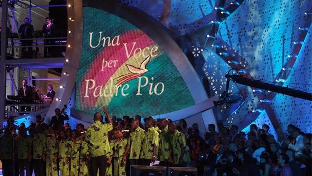 Stasera in tv del 20 giugno 2015: Una voce per Padre Pio, Il pesce innamorato, Ulisse