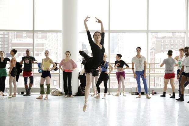 """""""Flesh and bone"""", la serie sul lato oscuro del mondo della danza in esclusiva e contemporanea Usa su Timvision"""