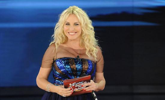 Ascolti tv del 28 novembre 2015: vince la finale di Ti lascio una canzone