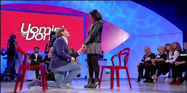 Uomini e donne, Fabio e Lisa trionfa l'amore! (video puntata over del 2 dicembre)