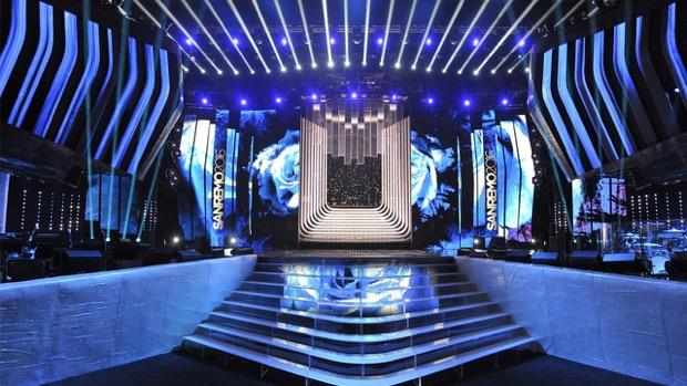 Festival di Sanremo 2016, la scenografia di Riccardo Bocchini come un fiore che sboccia! [Le foto]