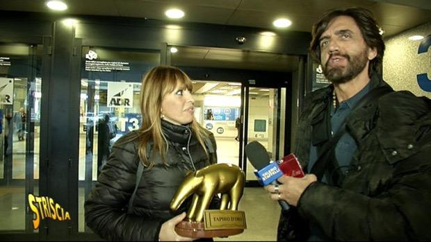 Striscia la notizia, tapiro d'oro per Alessandra Mussolini