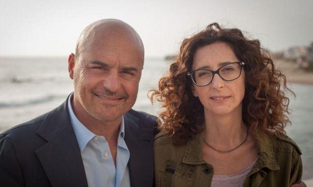 Il Commissario Montalbano, nuovi episodi: La piramide di fango, puntata del 7 Marzo; guest star Teresa Mannino