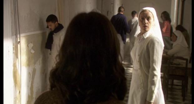Il Segreto, Maria aiuta Aurora a stare meglio in sanatorio (puntata del 20 aprile)