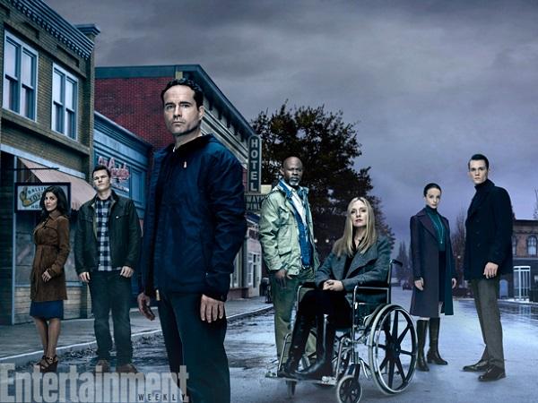Wayward Pines 2 – il cast al completo nelle prime foto ufficiali!