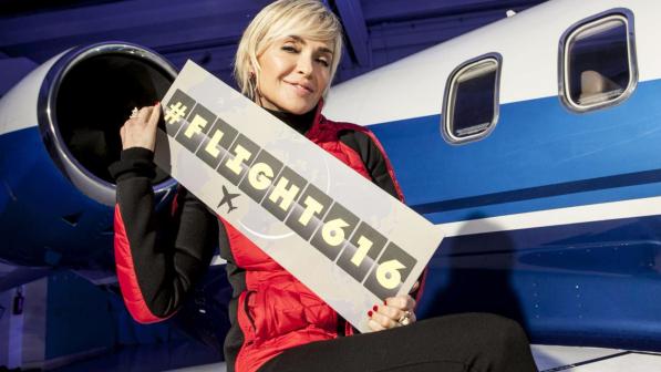 """""""Flight 616"""", parte il nuovo dating show di Italia Uno condotto da Paola Barale"""