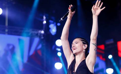 Il Coca-Cola Summer Festival torna stasera su Canale 5