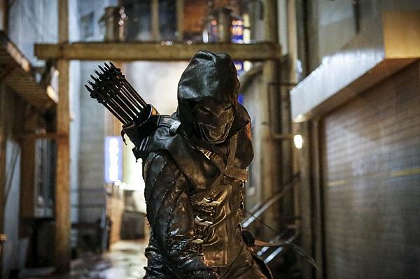 Arrow 5: uno sguardo da vicino a Prometheus nelle prime foto ufficiali