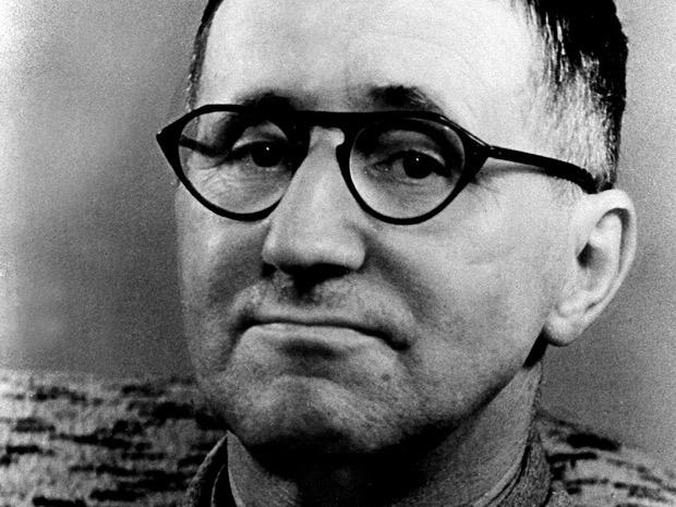 Bertold Brecht, l'omaggio di Rai 5 al grande drammaturgo tedesco