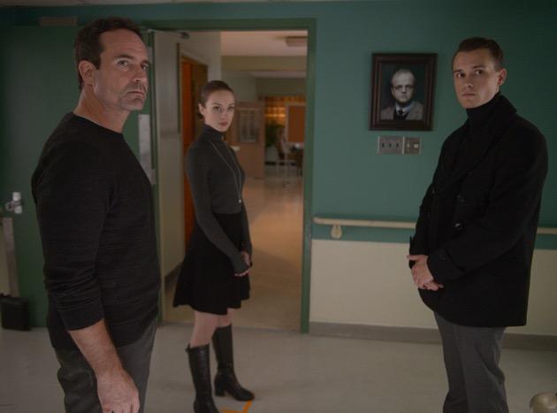 Wayward Pines 2, si cerca di migliorare e ampliare le premesse della prima stagione: la recensione dei primi due episodi