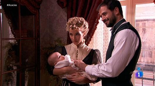 Una vita, Manuela riuscirà a riprendersi la bambina? (Puntata del 4 agosto)