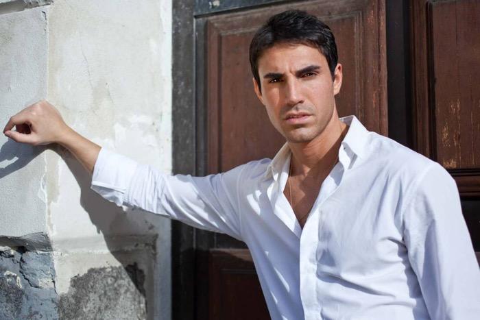 Fabio La Fata, l'agente Antonio Scipioni in Rocco Schiavone: la nostra intervista