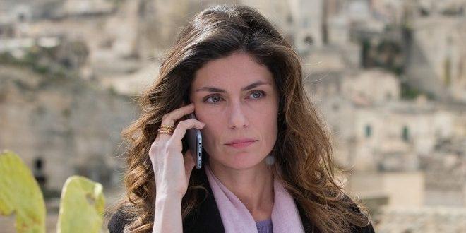 Sorelle, Chiara si ferma a Matera per scoprire il mistero sulla morte di Elena (video streaming puntata del 16 marzo)