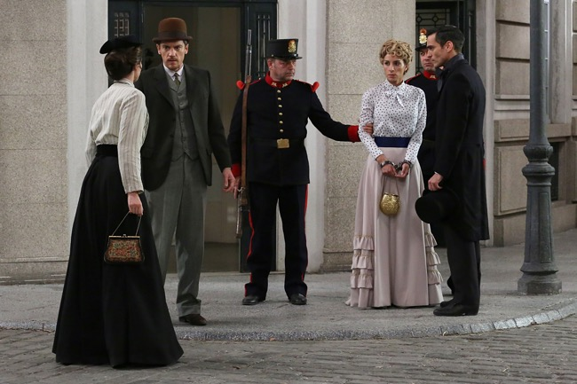 Una vita, l'arresto di Cayetana non piace a Teresa (puntata del 30 agosto)