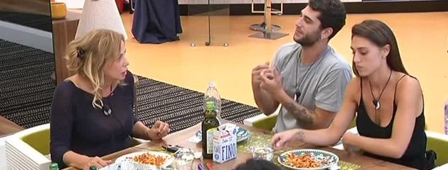 Grande fratello vip, Jeremias e Simona Izzo discutono di Marco Predolin