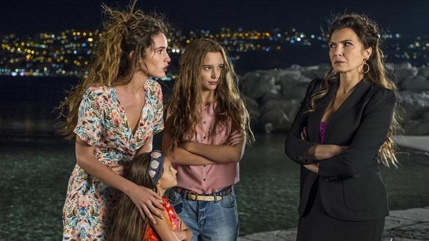 Guida Tv del 30 novembre: Sirene, Nemo-Nessuno escluso, Le tre rose di Eva 4