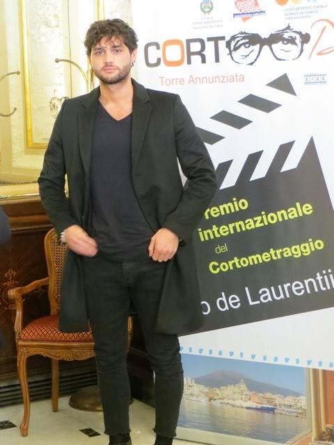 """Erasmo Genzini, dopo il successo in Sotto Copertura 2 il premio """"CortoDino"""""""
