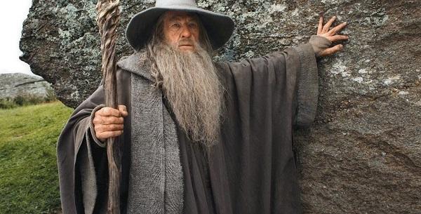 Il Signore degli Anelli: Ian McKellen disposto a tornare per la serie TV