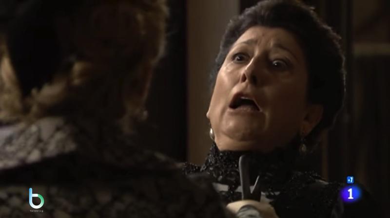 Cayetana minaccia Ursula copy
