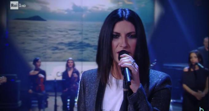 Ascolti tv sabato 17 marzo: Maria De Filippi umilia Milly Carlucci Video