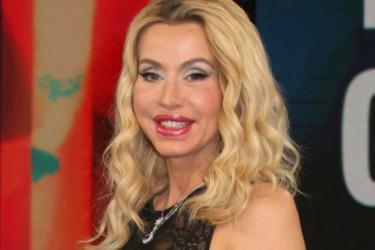 Valeria Marini all'Isola dei famosi