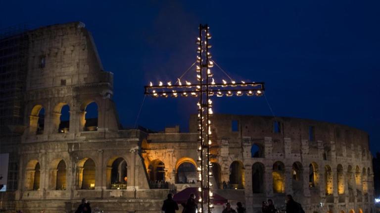 Ascolti tv 30 marzo: la via Crucis conquista la prima serata