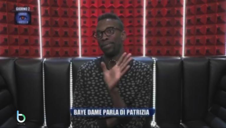Grande fratello 15, Baye Dame contro Patrizia: prime docce e prime lacrime [Video]