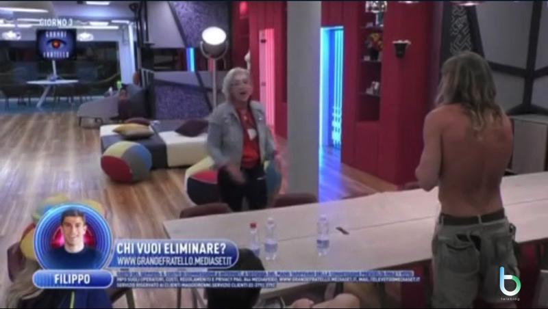 Lucia Bramieri attacca Alberto copy