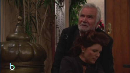 Quinn colpisce Sheila alla testa copy