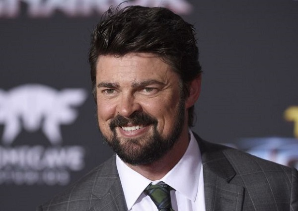 The Boys: Karl Urban sarà un vigilante che combatte supereroi nella serie Amazon
