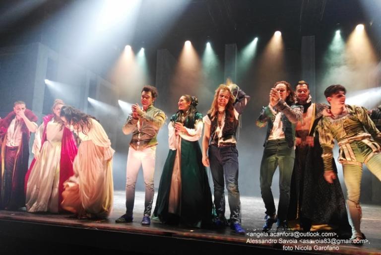 """Romeo e Giulietta. Ama e cambia il mondo"""": la nostra recensione"""