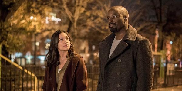 Marvel: Rosario Dawson dirà addio alle serie Marvel dopo Luke Cage?