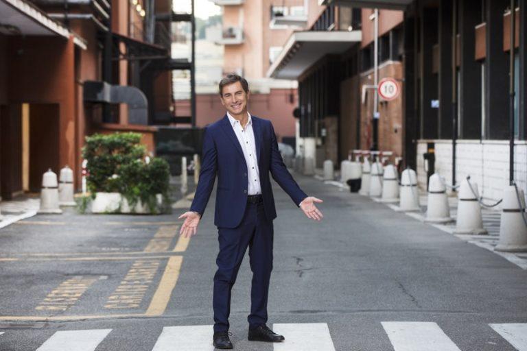 Italia SI, Marco Liorni nel pomeriggio del sabato di Rai Uno