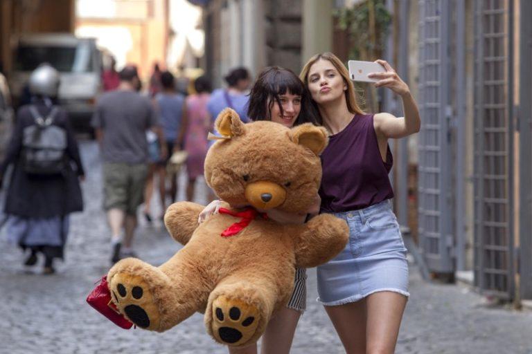 Baby, la nuova serie italiana prodotta da Netflix dal 30 novembre