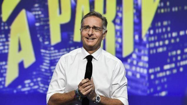 Scherzi a Parte, Paolo Bonolis al timone dello storico programma: lo scherzo a Barbara D'Urso