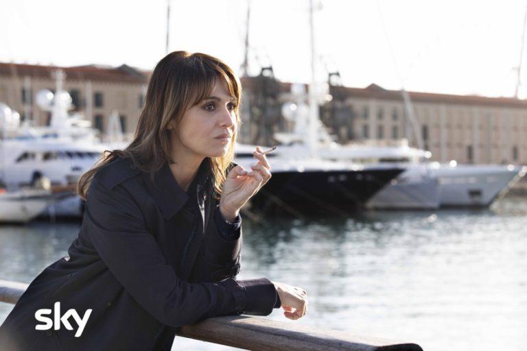 Petra, in lavorazione la nuova serie di Sky e Cattleya con Paola Cortellesi: sei storie a tinte gialle [Foto]
