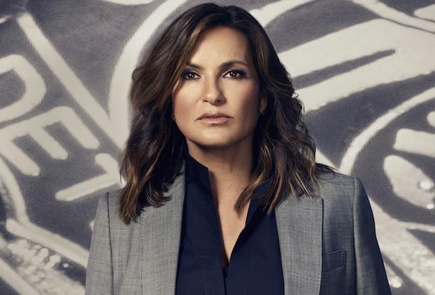 Law & Order: SVU ottiene il rinnovo per una 21° stagione e diventa la serie TV più longeva di sempre