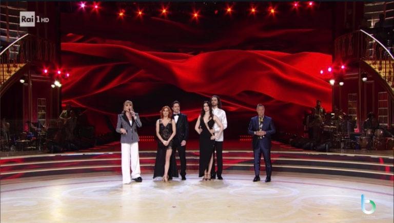 Ascolti tv 24 maggio: leggero vantaggio di Ciao Darwin su Ballando con le stelle