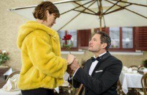 Christof chiede a Xenia di sposarlo