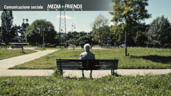 Mediaset e Gerry Scotti sostengono gli anziani soli d'estate