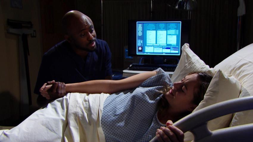 Reese assiste Hope per il parto