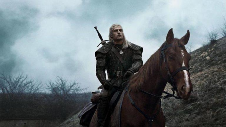 The Witcher: infortunio sul set per Henry Cavill, le riprese della seconda stagione proseguiranno senza di lui